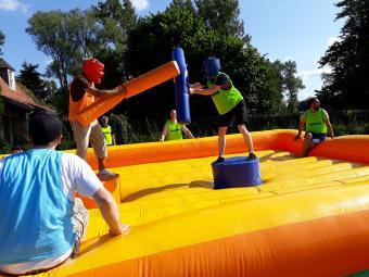 Bedrijfsuitstap Inflatable Games te Oud-Heverlee