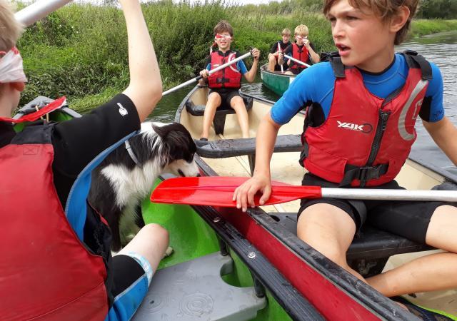 Blindenmans kano varen op de Dijle