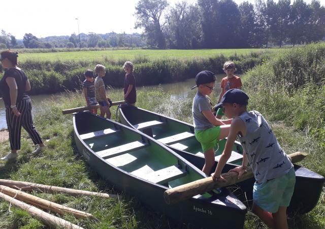 Sportdag vals-catamaran spelvaren op de Dijle
